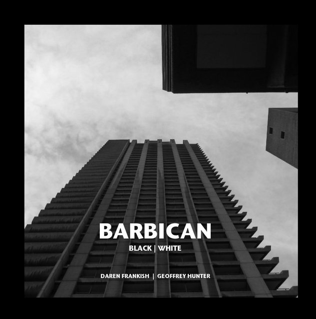 BARBICAN BLACK | WHITE